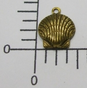 (Package of 12) Clam Shell Charm (Brass Ox)