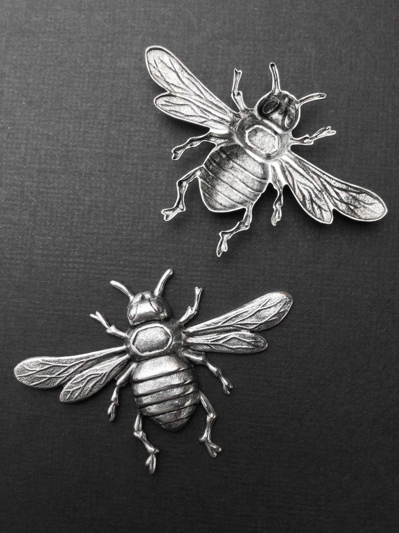 Large Bee Brass Jewelry Finding Stamping Silver Ox 34244